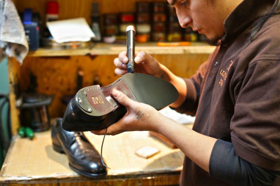 Услуги ремонта обуви и одежды