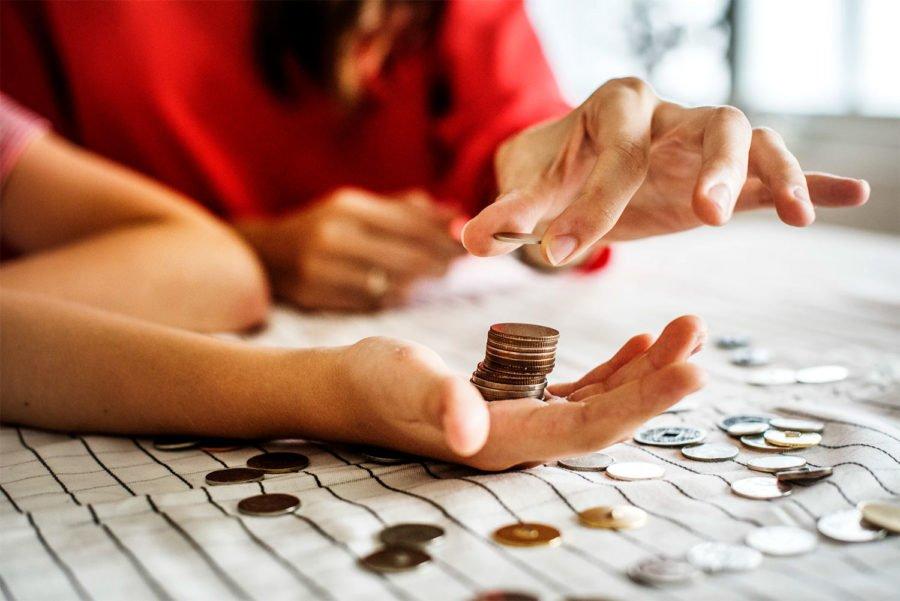 Самозанятой гражданин оплачивает налог