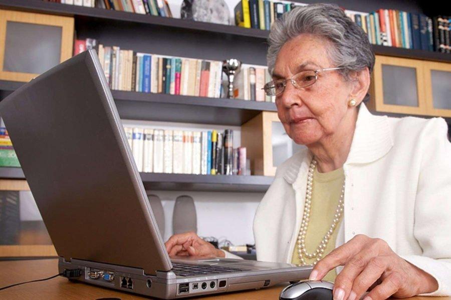 Пенсионерам придется разобраться в технологиях