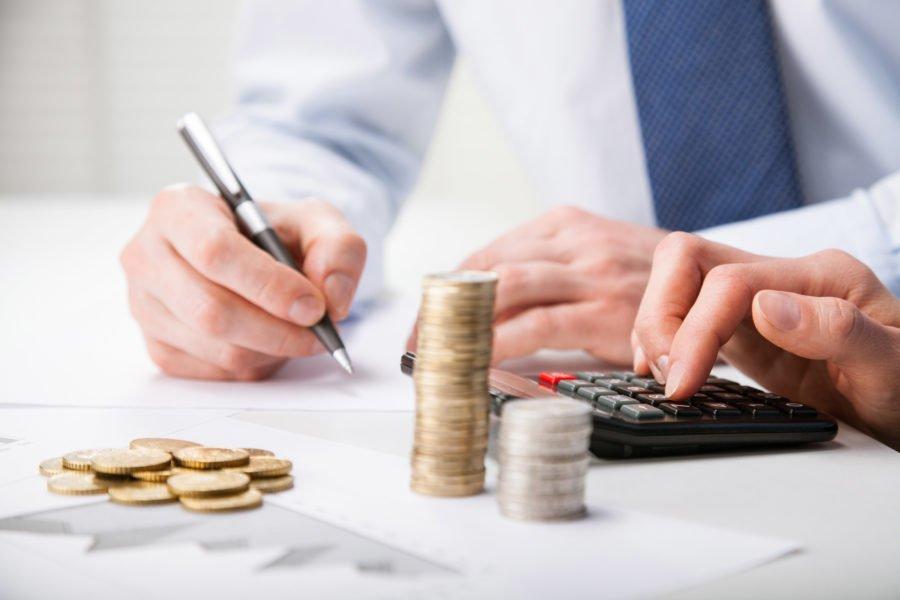 Начислять сумму налога самозанятому
